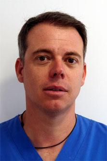Dr Zaera - Dentiste spécialisé dans le traitement de patients du tourisme dentaire Espagne