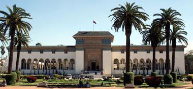 Clinique dentaire Maroc : Notre chirurgien-dentiste à Casablanca spécialisé en implant et prothèse dentaire