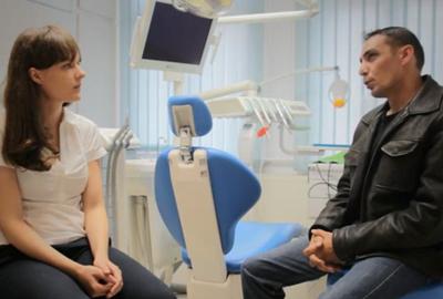 Témoignage patient Hongrie après la pose de couronne et bridge sur implant et dent