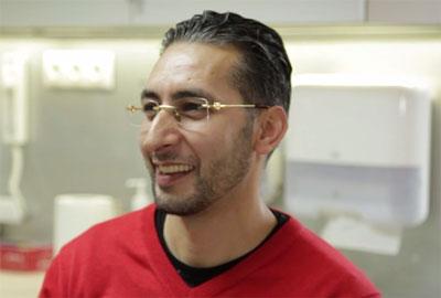 Bridge complet sur implant mâchoire supérieure - Dr SUBA Hongrie