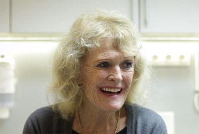 Prothèse clipsée sur implant avec barre - Hongrie Dr SUBA